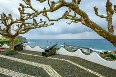 Cañones en Lajes das Flores, archipiélago de Azores (Portugal) Imagen de archivo