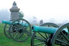 Cañones en una niebla en gettysburg Imagenes de archivo