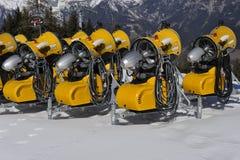 Cañones móviles de la nieve Foto de archivo