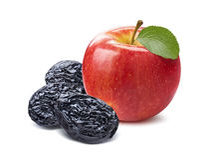 Całe czerwone jabłczane i suche śliwki Zdjęcie Royalty Free