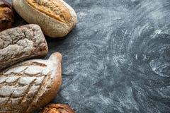 Całość zbożowych chlebów Zdjęcie Stock