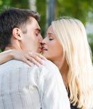 całowanie pary całowanie obraz stock