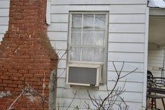 CA dell'unità di condizionamento d'aria in finestra fotografie stock libere da diritti