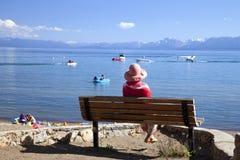 CA. uit kijkend op het meer, Meer Tahoe. Stock Foto's