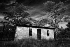 Cabaña abandonada Fotos de archivo libres de regalías