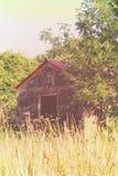 Cabaña abandonada del fuego artificial imágenes de archivo libres de regalías