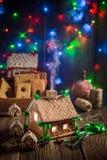 Cabaña adorable del pan de jengibre de la Navidad en el lugar único Fotografía de archivo