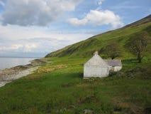 Cabaña aislada, isla de Arran Foto de archivo libre de regalías