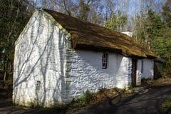 Cabaña blanca Foto de archivo libre de regalías