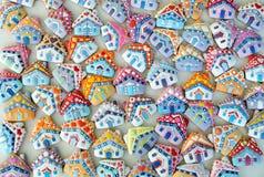 Cabaña, colorido, única, la Navidad Honey Cookies Fotos de archivo libres de regalías