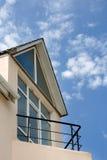 Cabaña con el balcón Fotografía de archivo libre de regalías
