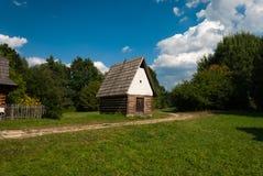 Cabaña de Kysuce - museo del pueblo eslovaco, je del ¡del hà de JahodnÃcke, Martin, Eslovaquia Imagen de archivo