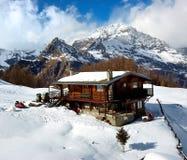 Cabaña de la montaña Imágenes de archivo libres de regalías