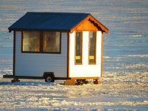 Cabaña de la pesca del hielo fotos de archivo libres de regalías
