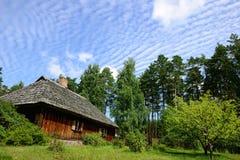Cabaña de madera fotografía de archivo libre de regalías
