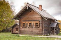 Cabaña de madera Foto de archivo libre de regalías