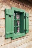 Cabaña de madera romántica Fotografía de archivo libre de regalías