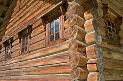Cabaña de madera rusa Imagen de archivo libre de regalías