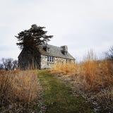 Cabaña de piedra arruinada Imagen de archivo
