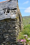 Cabaña de piedra vieja en el corcho del oeste Foto de archivo