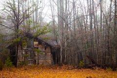 Cabaña en caída foto de archivo libre de regalías