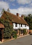 Cabaña inglesa de la aldea Fotografía de archivo libre de regalías