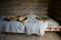 Cabaña medieval con las cestas de hierbas Fotografía de archivo libre de regalías