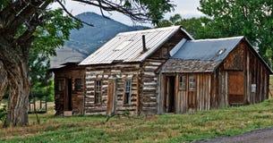 Cabaña rural del país Imágenes de archivo libres de regalías
