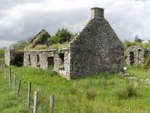 Cabaña vieja en al oeste de Irlanda Fotos de archivo libres de regalías