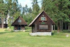 Cabaña y colmena en paraíso eslovaco Imagen de archivo