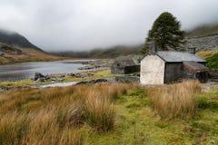 Cabañas abandonadas en Cwmorthin Imagen de archivo libre de regalías