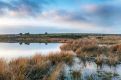 Cabañas de la orilla del lago Fotografía de archivo libre de regalías