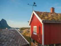 Cabañas de Rorbu en Lofoten Imagen de archivo libre de regalías