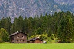 Cabañas en Austria Imágenes de archivo libres de regalías