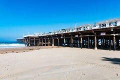 Cabañas en Crystal Pier en la playa pacífica en San Diego Imagen de archivo