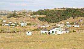 Cabañas en el hierro acanalado de Transkei Suráfrica Fotografía de archivo libre de regalías