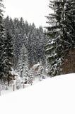 Cabañas en montañas Imagen de archivo libre de regalías