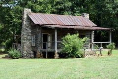 Cabaña de madera rústica vieja Imagenes de archivo
