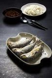 Caballa frita con la salsa de la goma del camarón imagen de archivo libre de regalías