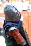 Caballero medieval antes de la batalla Imagen de archivo