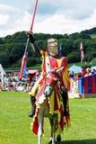 caballero medieval a caballo Foto de archivo