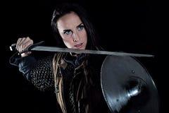 Caballero medieval de la fantasía del guerrero femenino Foto de archivo libre de regalías