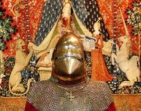 Caballero medieval en armadura imagen de archivo