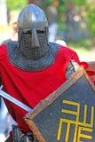 Caballero medieval en cierre de la batalla para arriba Fotografía de archivo libre de regalías