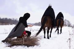 Caballeros medievales Hospitallers del campesino y del montar a caballo Fotos de archivo