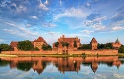 Caballeros teutónicos en el castillo de Malbork en verano Imagenes de archivo