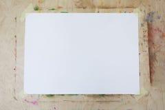 Caballete en blanco con el espacio de la copia Cierre para arriba Fotografía de archivo libre de regalías