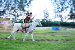A caballo competencia del tiro al arco Fotografía de archivo