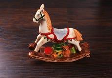 Caballo de cerámica del juguete del vintage Imagenes de archivo
