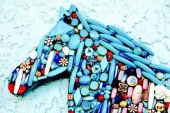 Caballo de la turquesa cubierto con las gotas Imágenes de archivo libres de regalías